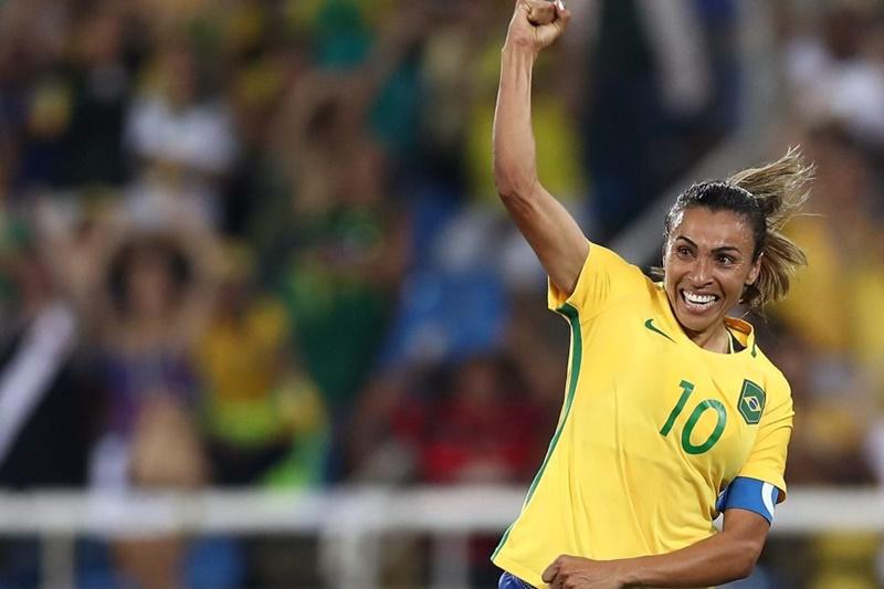 Mestra do futebol, Marta publica emocionante carta sobre sua história