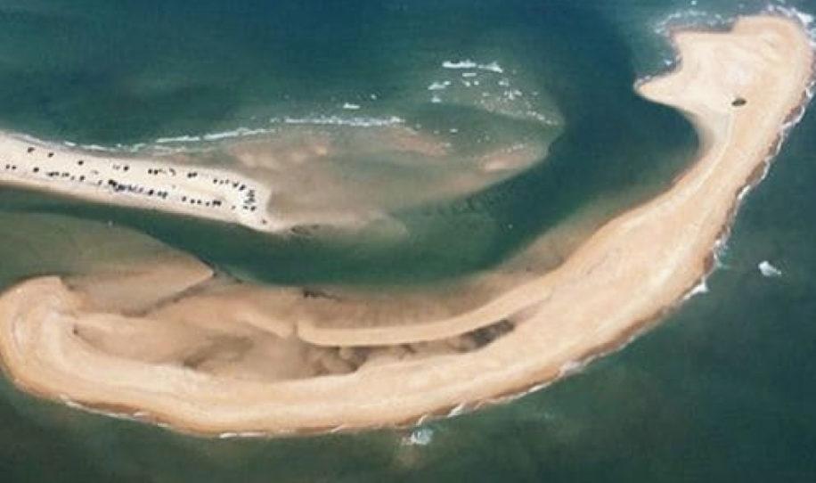 Así es la rara y peligrosa isla que acaba de aparecer en el Triángulo de las Bermudas!