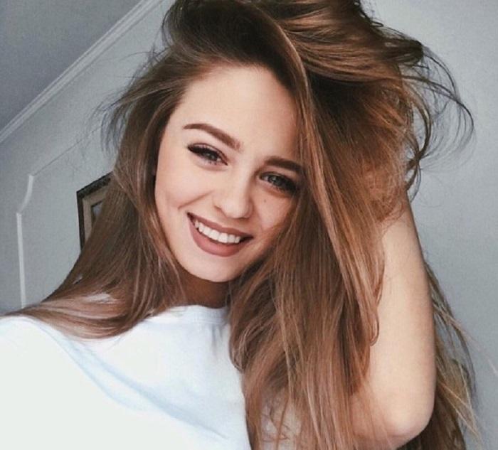 La mejor edad de una mujer es cuando deja de cumplir años y comienza a cumplir sus sueños.