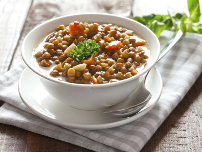 Evita el colon irritable con sopa de lentejas