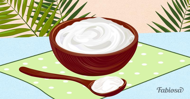 Receita caseira para fazer um hidratante de pele potente. Só precisa de coco, aveia e leite!