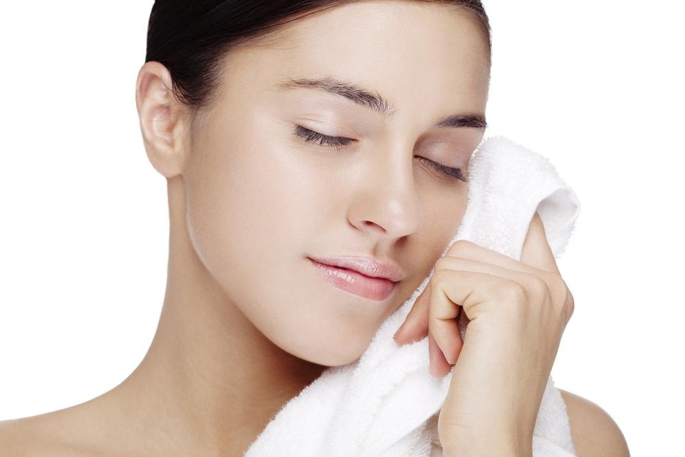 Cientistas apontam que toalha de banho pode ser mais suja que o papel higiênico