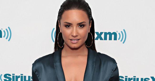 Abre teu olho Neymar! Demi Lovato é elogiada por Mayweather em postagem sensual