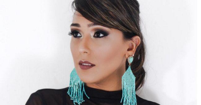 Cantora sertaneja esquece a música em entrevista ao vivo e internautas não perdoam