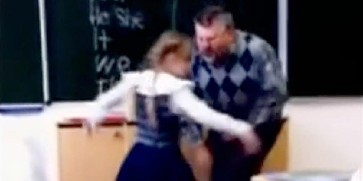 Este profesor en Rusia abuso de esta niña, ella se vengó de la única manera que podía. ¡Que valor