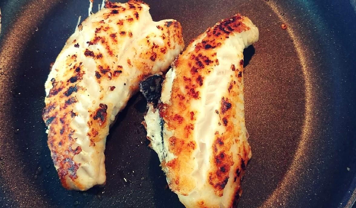 Truco para que el pescado a la plancha no se te pegue que sólo conocen los mejores chef…