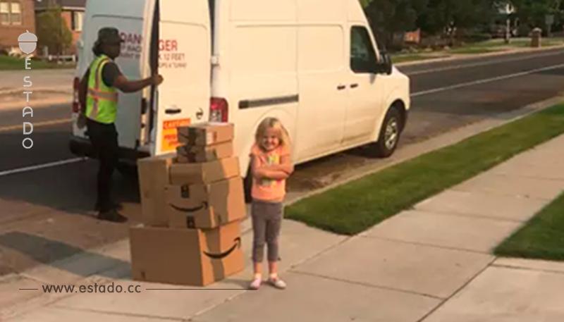 La dejan sola y ordena miles de pesos en juguetes en Amazon – Mamá Natural