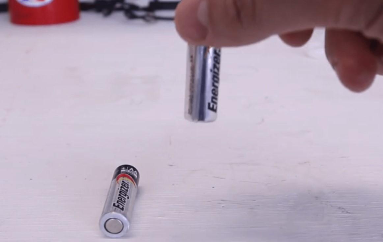 Comprueba si las pilas que tienes por casa están cargadas o no con este rápido y sencillo truco - Casas Increibles