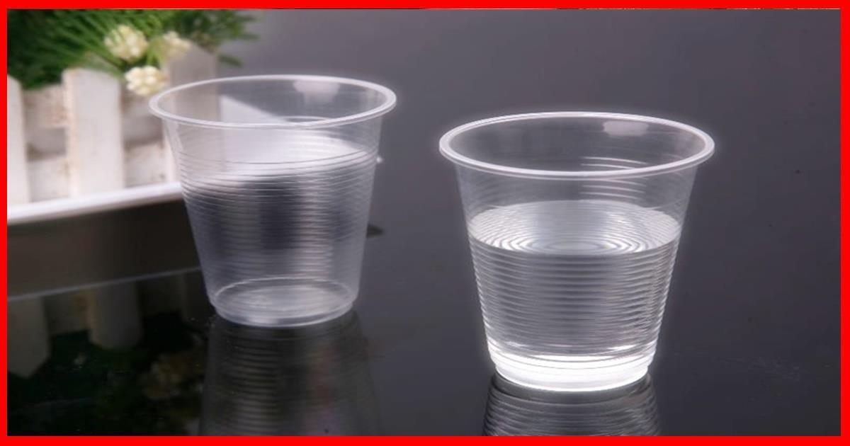 Aquí te contamos el secreto del vaso de agua debajo de la cama