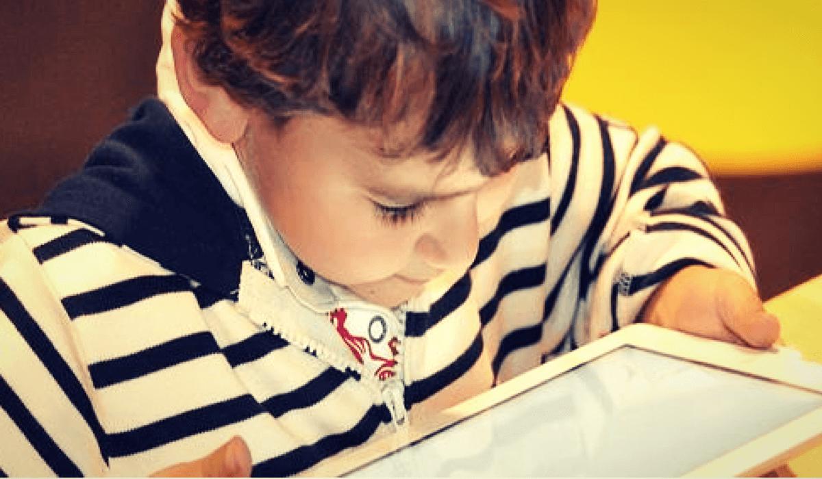 ¿Calmas a tu hijo con un celular o una tablet? Entérate de los daños ocultos que produce