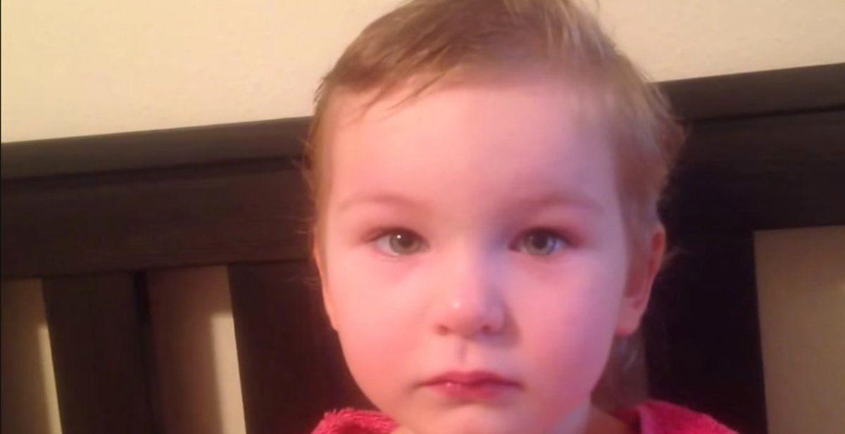Tiene 3 años y se ha cortado el pelo ella sola porque quiere ser peluquera de mayor