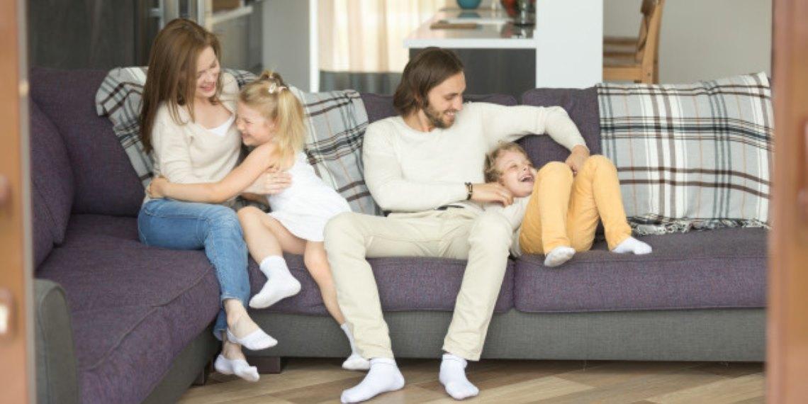 Hacer cosquillas a tu hijo puede ser más peligroso de lo que creías