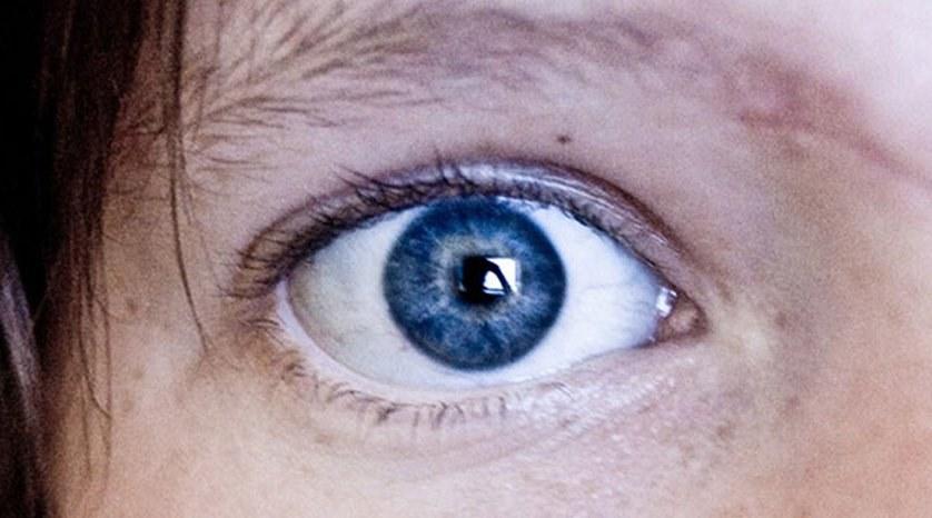Científicos descubren que todas las personas con ojos azules tienen algo increíble en común