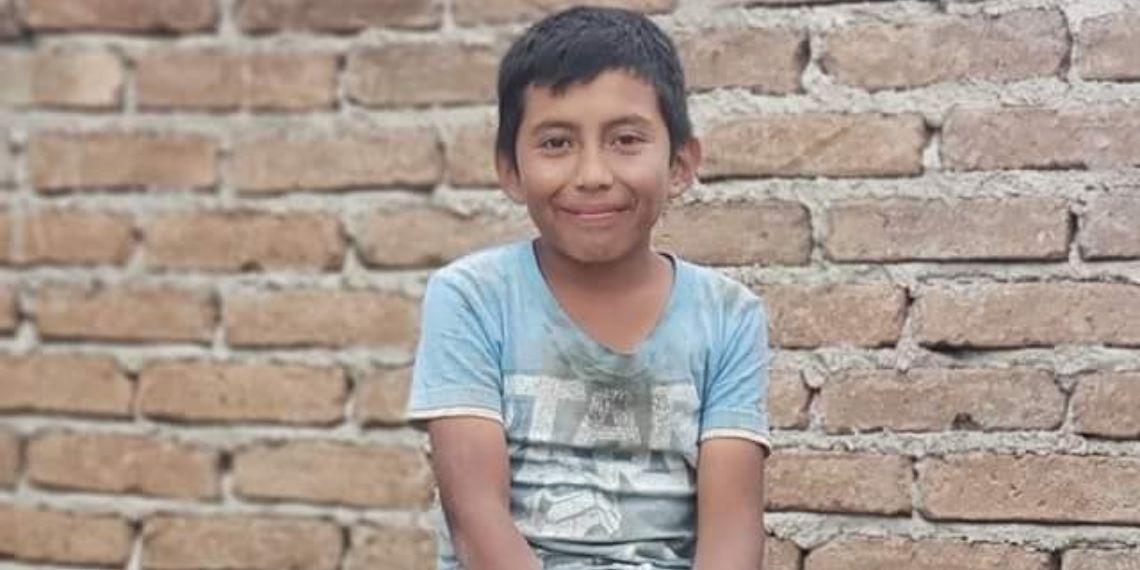 Niño mexicano trabaja de albañil pero con sus sueños y promedio se convertirá en arquitecto