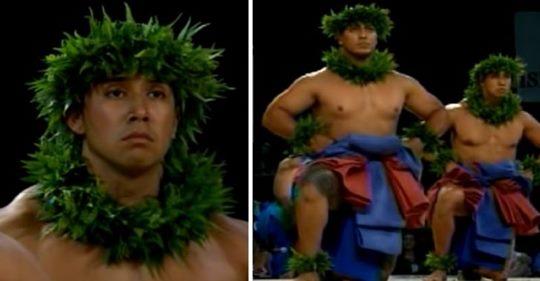 Bailarines hawaianos de hula realizan una enérgica actuación en el escenario y ganan la competencia