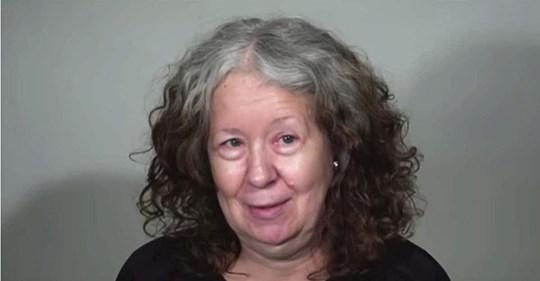 Mujer de 60 años se somete a un cambio de look tan sensual que ni ella se puede reconocer
