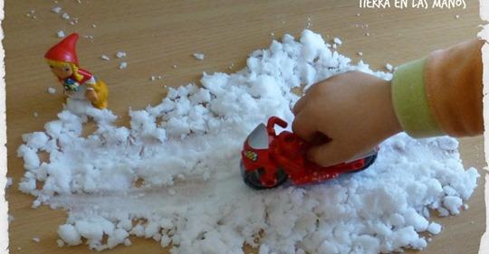 Te enseñamos a hacer nieve artificial en casa, el mejor juego para los más pequeños