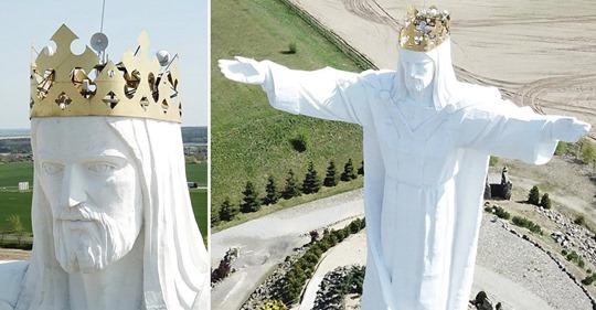 Utilizan la estatua más grande de Jesús en Polonia para que la gente tenga internet