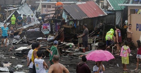 Al menos 11 muertos y miles desplazados en Filipinas por el tifón Kammuri