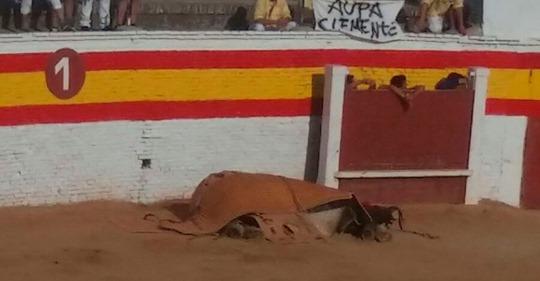 Si un caballo es herido durante una corrida… se le deja morir