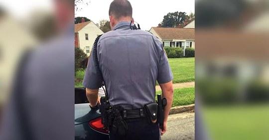 Un oficial le pide a una mujer que abra la cajuela porque la luz de freno está apagada, no sabe que ella lo está grabando