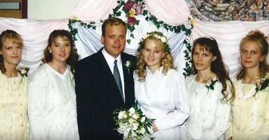 Hombre que se casó con 5 mujeres y tiene 24 hijos habla sobre su vida familiar