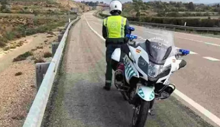 Muere un guardia civil en un accidente de moto en Zaragoza