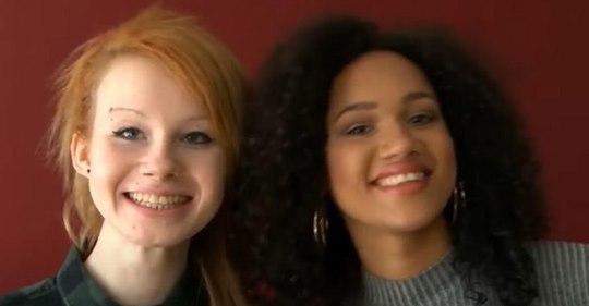 Estas gemelas birraciales están llamando la atención de todo el mundo