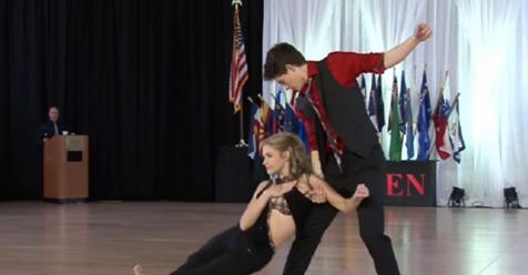 """Adolescentes talentosos bailan swing con """"Shut Up And Dance"""" y ganan la competencia"""