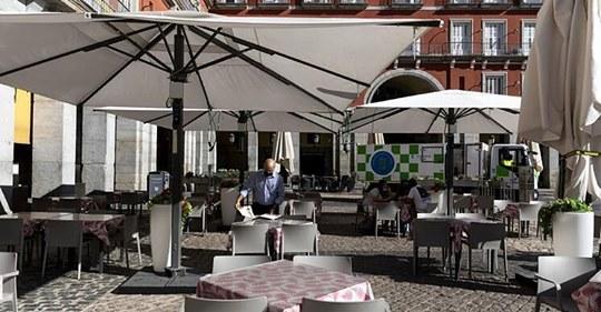 Los bares y restaurantes de Madrid no pagarán tasa de terrazas en 2020 para paliar la crisis de la Covid