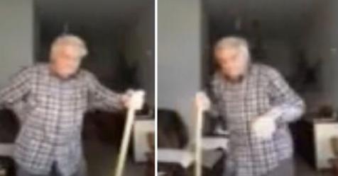 Abuelo de 82 años baila con escoba para mostrar que nada estropeará su alegría