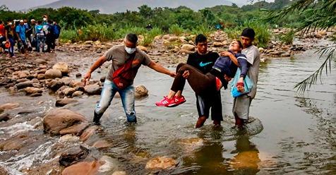 La odisea de 16 niños venezolanos, deportados de Trinidad y Tobago y lanzados al mar durante dos días
