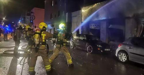 Hallan dos cuerpos sin vida tras apagar un incendio en una casa en España