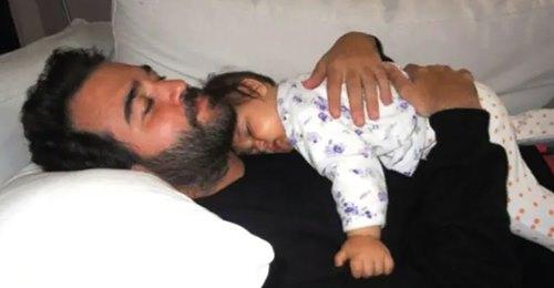 Un joven padre se despertó sordo y ciego por la carga de trabajo