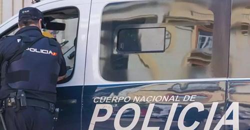 Fallece una niña de 2 años en España: Estaba llena de golpes e investigan a los padres