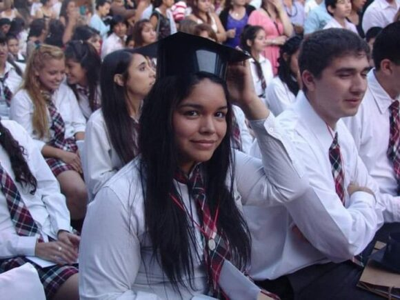 """Jovencita decide ligar sus trompas apoyando el movimiento """"libre de hijos"""". Dice no odiarlos"""