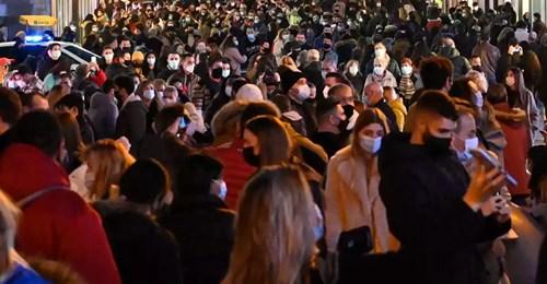 Manos en la cabeza por lo visto el fin de semana en España: 'No se podía ni andar'