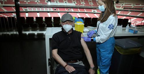 La vacunación se desploma en Madrid por miedo a AstraZeneca: sólo acuden 10.800 de los 29.000 citados