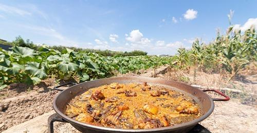 Valencia da el primer paso para que la paella sea Bien de Interés Cultural y pueda optar al reconocimiento de la Unesco