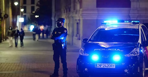 Unos médicos celebran una fiesta ilegal en un piso en España