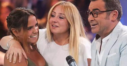 Gloria Camila y Rocío Flores, sentenciadas en redes tras aparecer juntas en plató