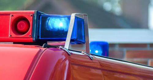 Encuentran el cuerpo de un alumno de 13 en los baños del cole: fue otro alumno