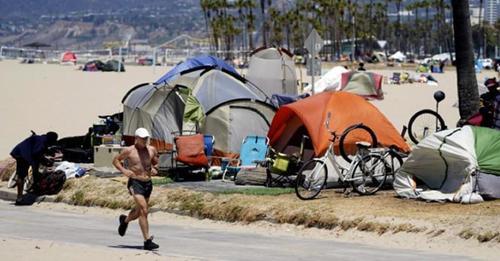 Venice Beach, de un oasis para millonarios a un pueblo sin hogar