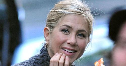 Una foto de Jennifer Aniston sin maquillaje muestra su belleza natural