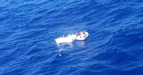 Muere una mujer que amamantó a sus hijos durante días para salvarlos tras un naufragio